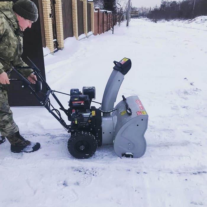 Многофункциональные машины для уборки снега