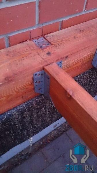 Пристрой к деревянному дому из бруса