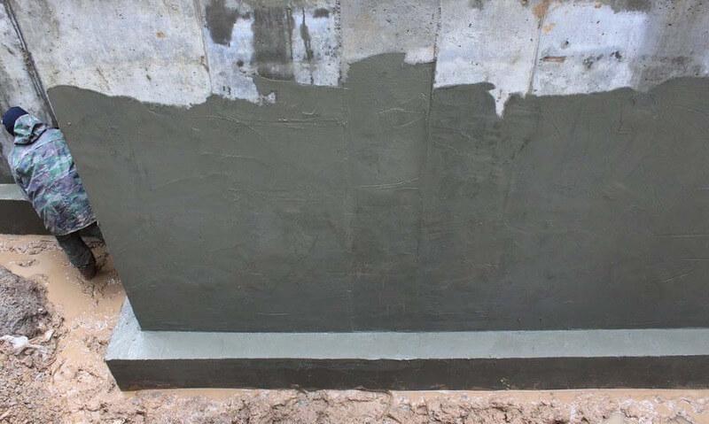Оштукатуривание стен подвала снаружи