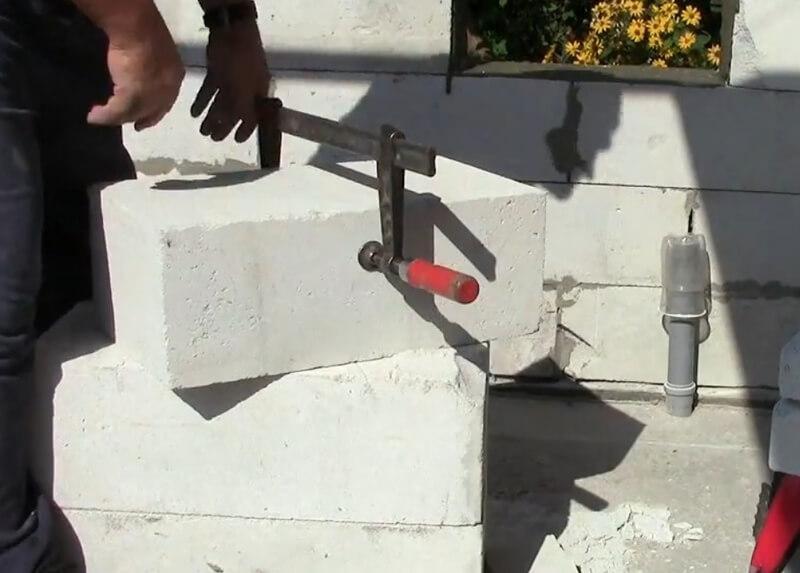 Перенос блока струбциной