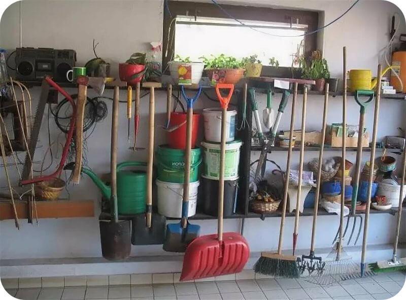 Организация хранения садового инвентаря