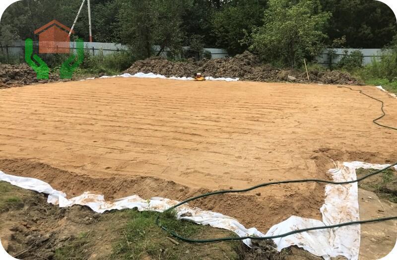Песчаная подушка – неотъемлемая часть любого фундамента