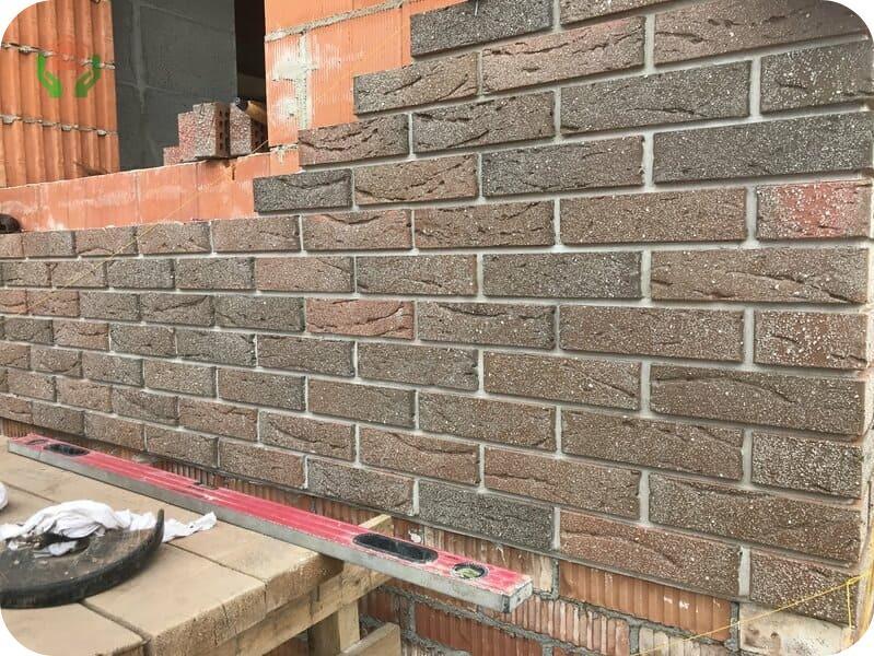 Облицовка керамоблочной стены кирпичом