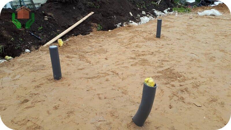 Закладка канализационных вводов осуществляется на стадии формирования насыпных слоёв