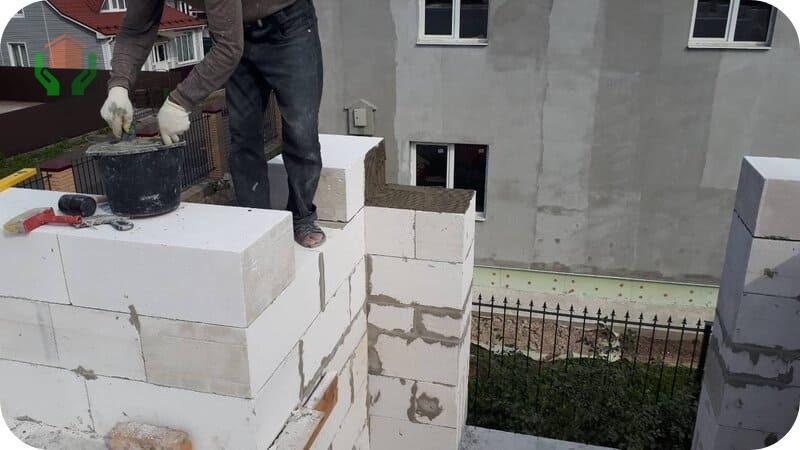 Кладка газоблоков на цементный клей