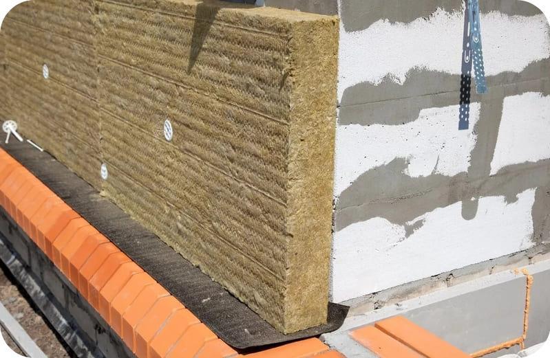 Утеплять дом из газоблока лучше каменной ватой