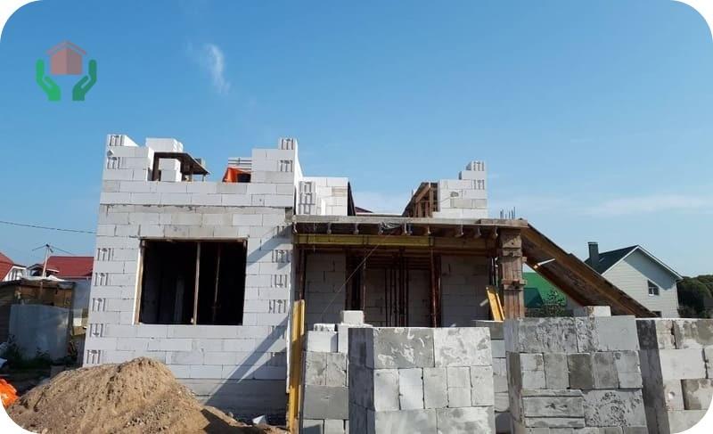 Возведение стен дома из газобетона