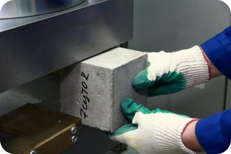 Определение кубиковой прочности бетона