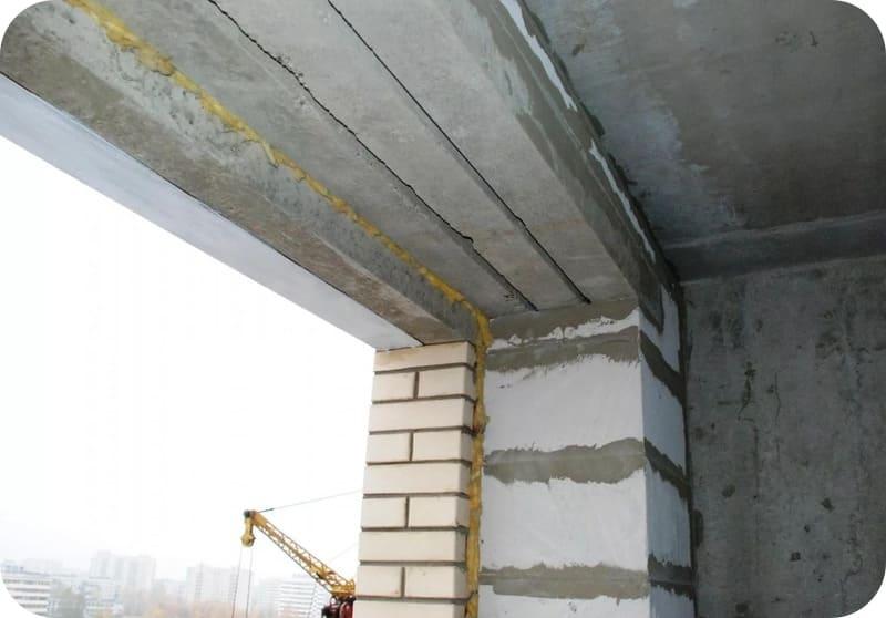Составная перемычка в проёме облицованной кирпичом газоблочной стены