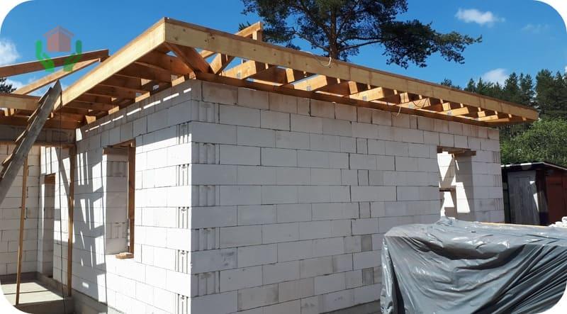 Для строительства одноэтажного дома достаточно прочности блоков В1,5-В2