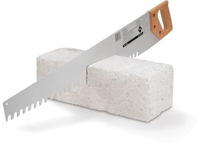 Ручная ножовка отлично пилит газобетон