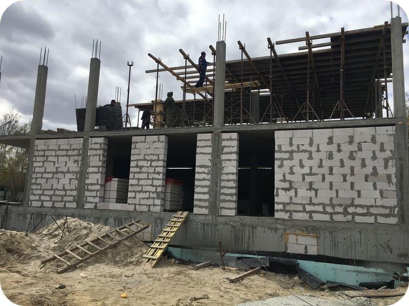 Принцип строительства каркасно-блочного дома