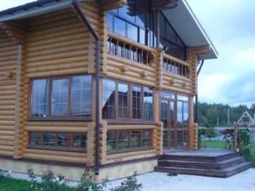 остекление веранды в деревянном доме