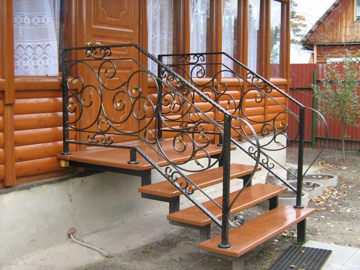 лестница для крыльца из металла