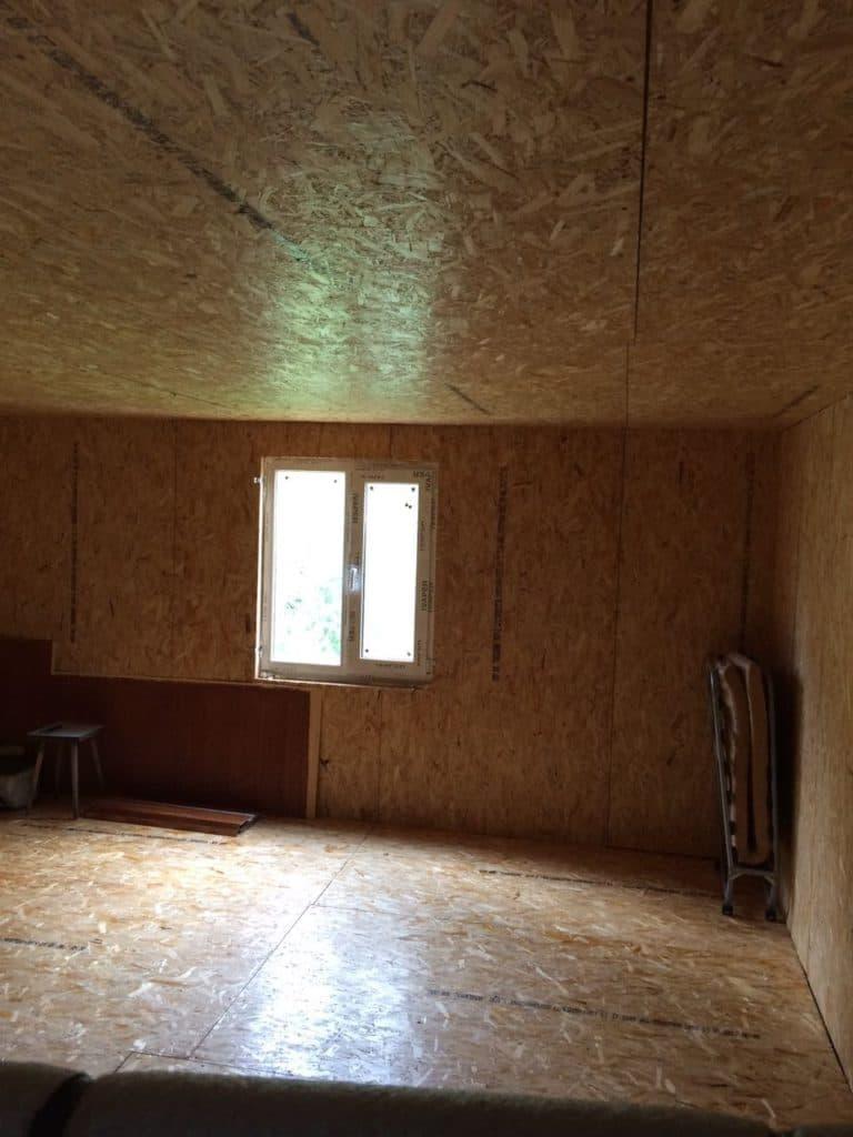 отделка потолка в каркасном доме