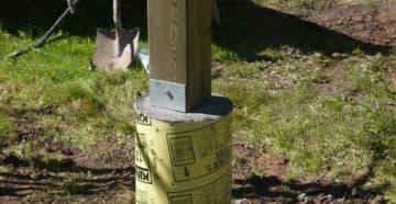установка столбов для навеса