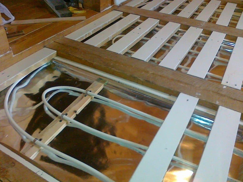 Как сделать водяные тёплые полы в деревянном доме своими руками фото 304