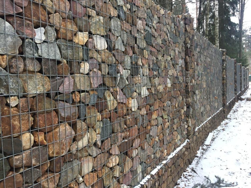 Забор из камня в сетке своими руками фото 242